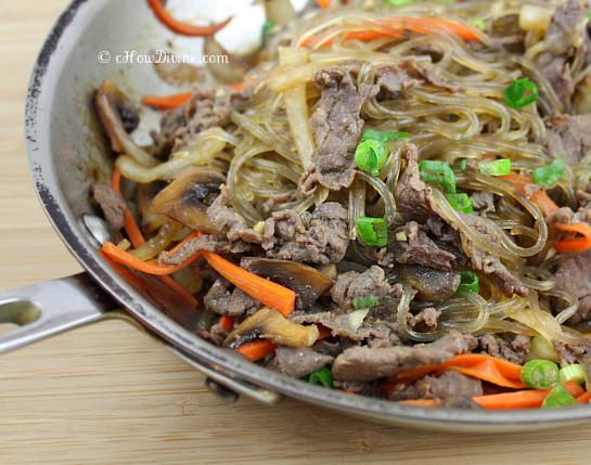 Bulgogi Japchae {Stir-Fried Noodles} | cHowDivine.com