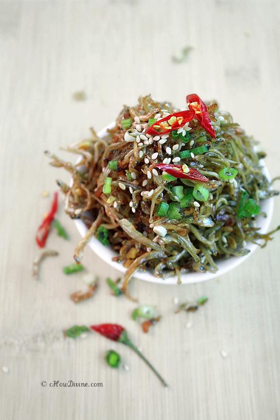 Myulchi Bokkeum (Crispy Stir-Fried Anchovies) | cHowDivine.com